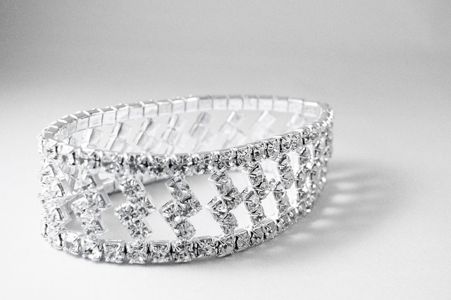 The Difference Between a Diamond Grading Report and an Appraisal