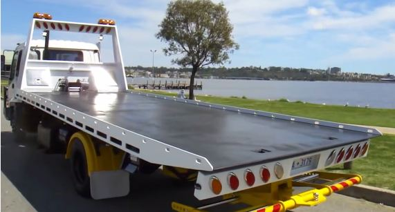 Benefits of Using Tilt Tray Towing Services for Tow Truck Accident Pulling in Brisbane