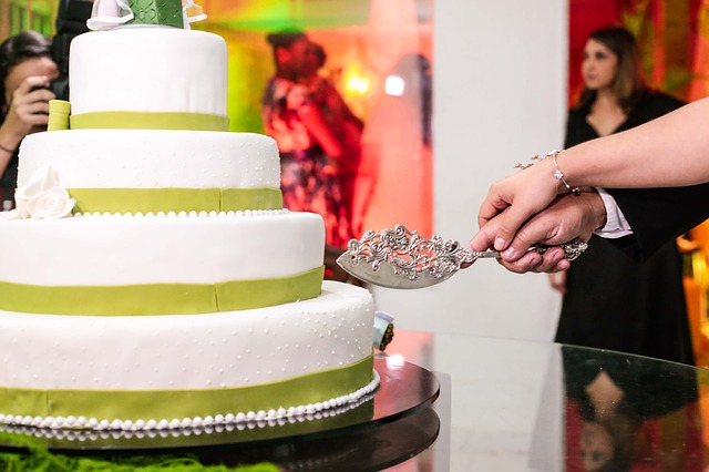 Let the Pipe Go: Adding Beautiful Frosting to Your Cake