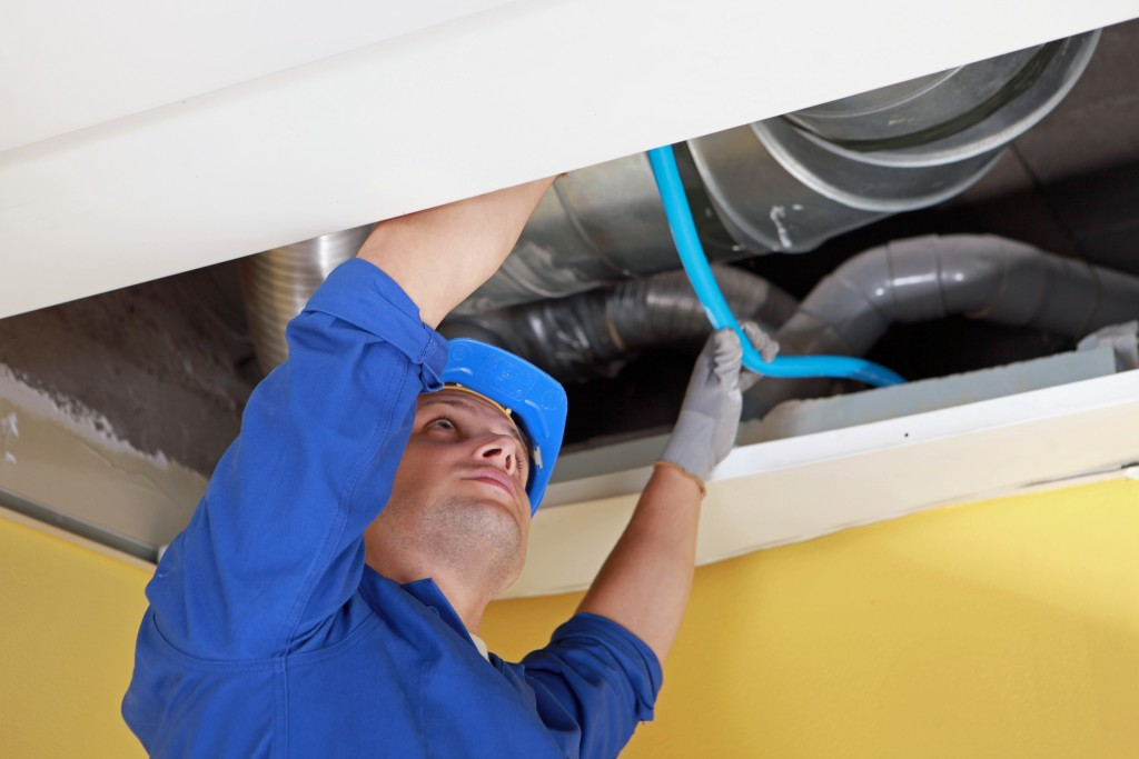 Keep the Air Ducts Clean: Keeping Indoor Air Quality in Good Condition