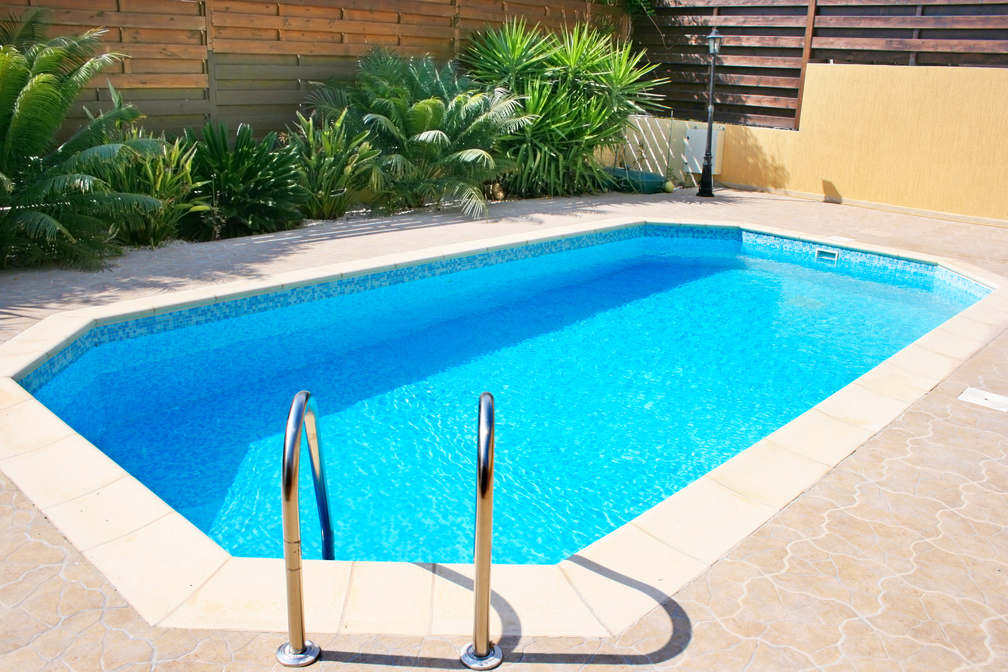 4 Must-Ask Questions for Choosing a Pool Manufacturer