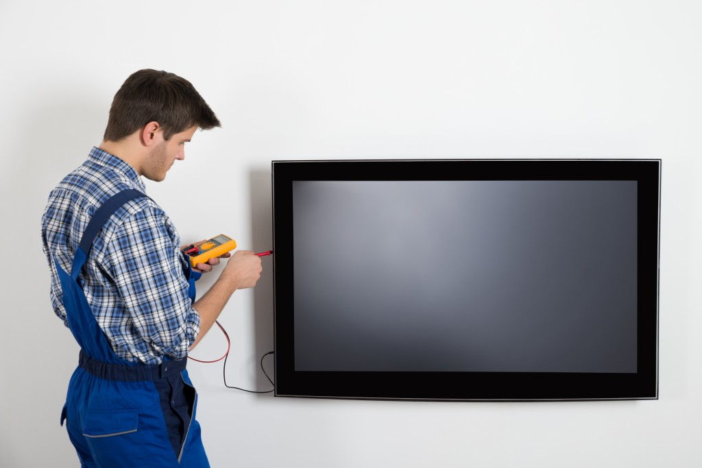 What Determines the Cost to Repairing Your TV?