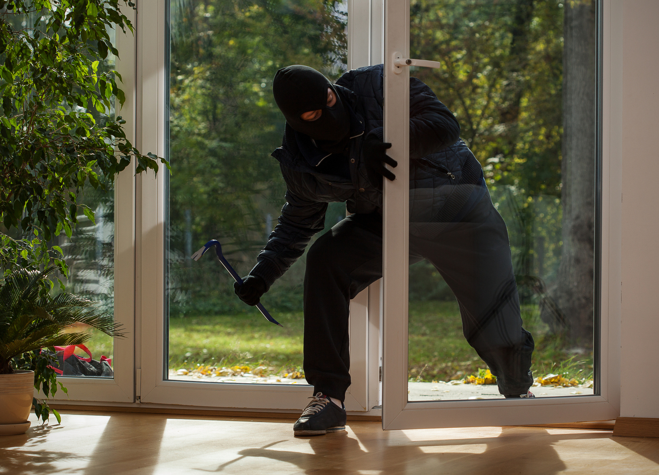 Simple Ways to Prevent Losing Your Possessions to Thieves