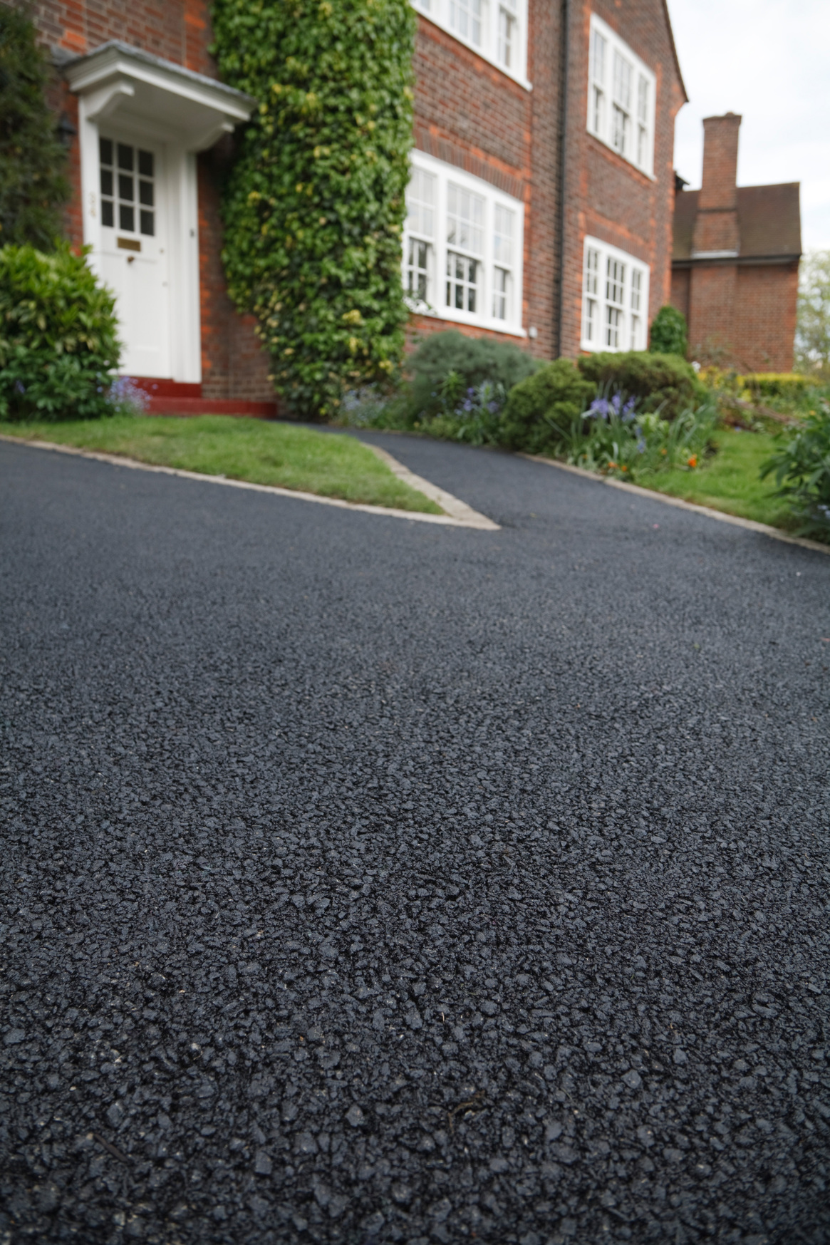 Different Cleaning Methods for Different Driveways