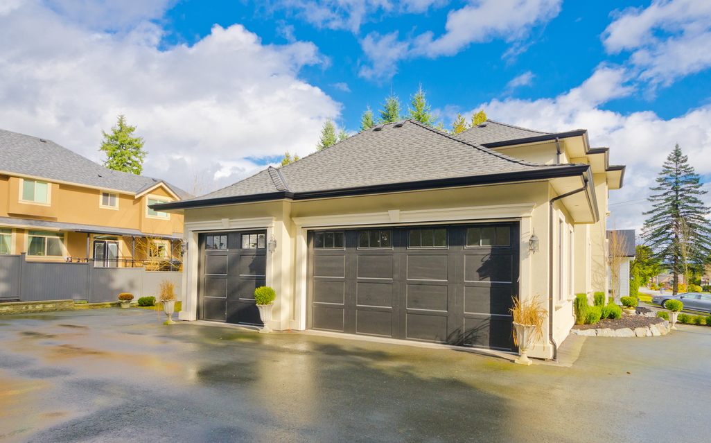 Tricks to Keep Your Garage Door Safe and Functioning Optimally