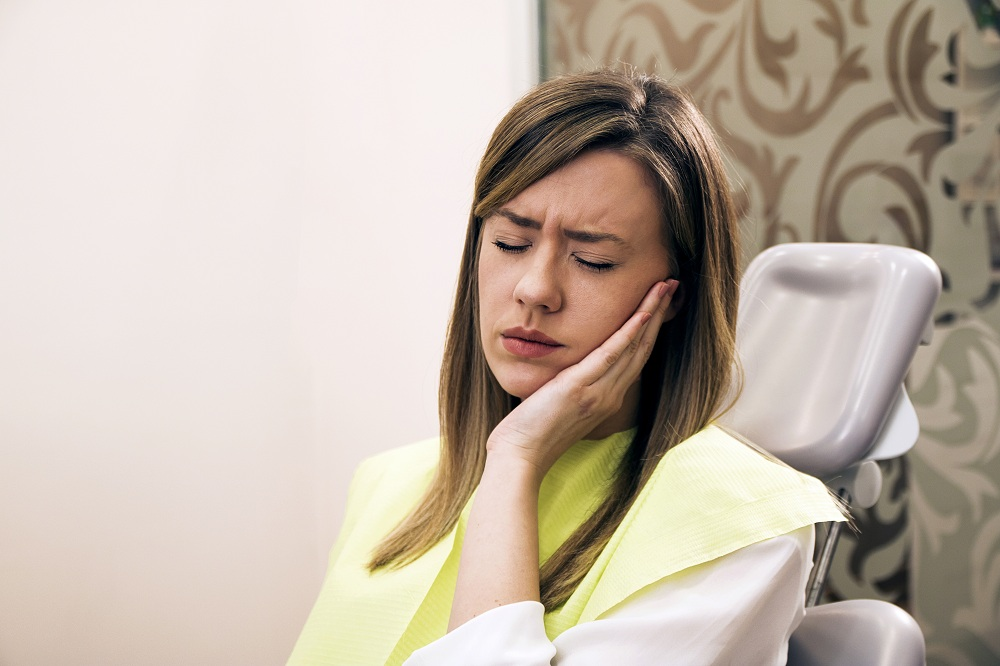 Warning Signs That Someone Should Visit A Periodontist In Ealing