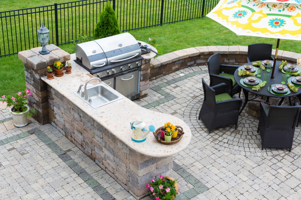 Ways to Build an Outdoor Kitchen