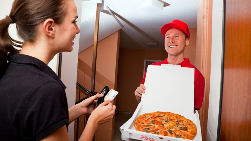 Aggregators and New-Delivery Players: The Future of Food Delivery Service