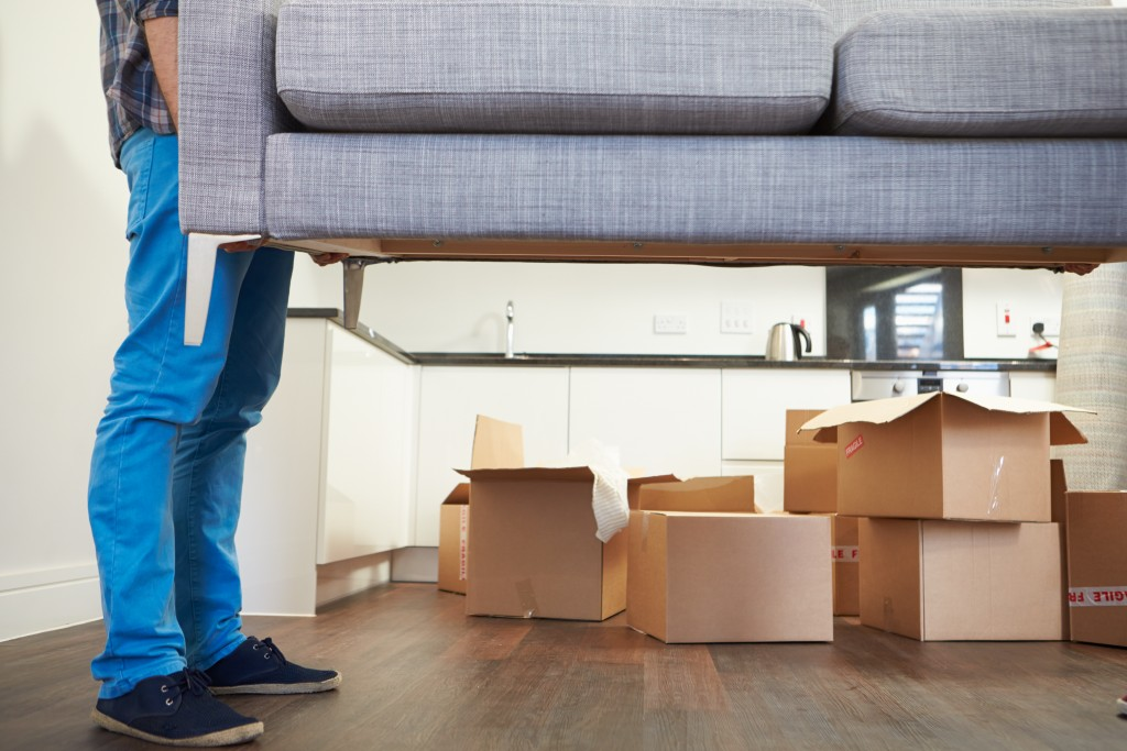 A Guide to Cleaning Your Home Thoroughly Before You Move Out
