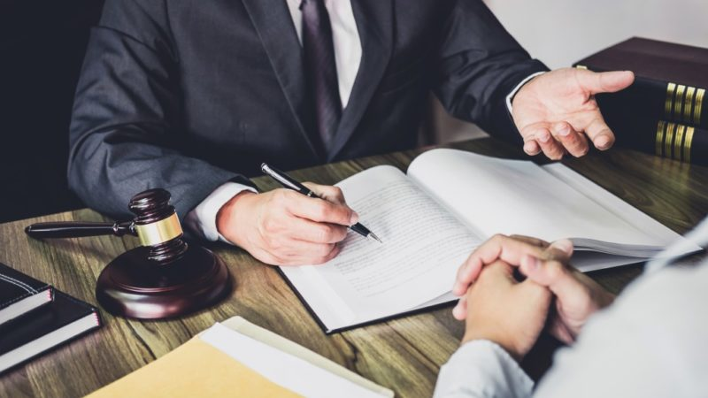 Times Your Company Will Need the Help of a Business Lawyer