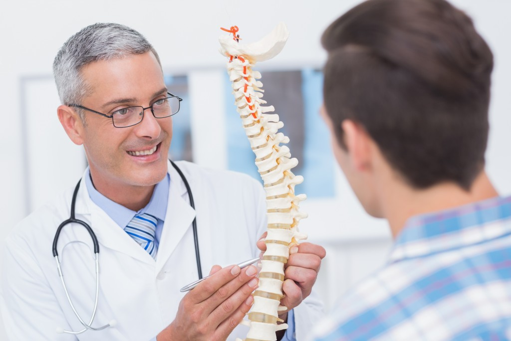 Let's Talk About Discs: The Difference Between a Herniated Disc and Bulging Disc