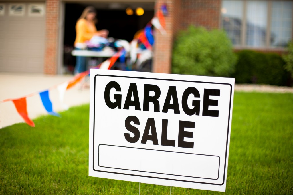 Pointers for Organizing Your First Garage Sale