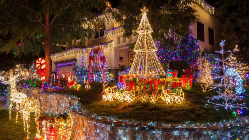 Lighting Up: The Best Way to Spread the Holiday Cheer
