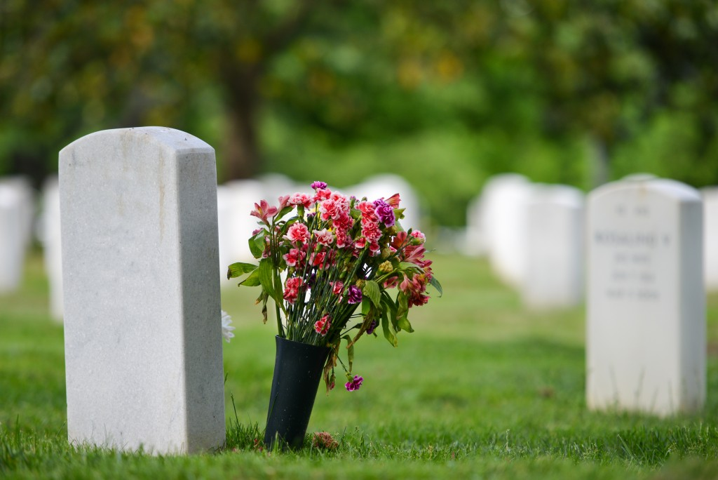 Holding a Meaningful and Cost-effective Memorial Service: Key Considerations
