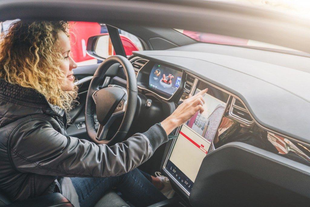 Car electronic dashboard