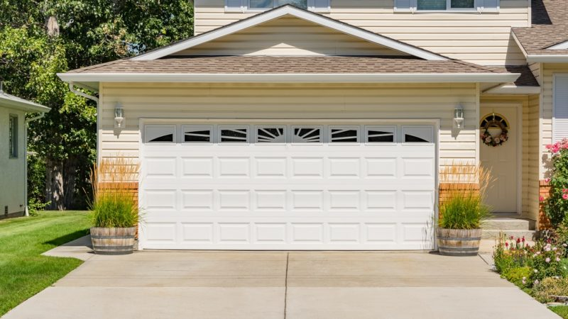 5 Golden Tips to Choose Your Garage Door