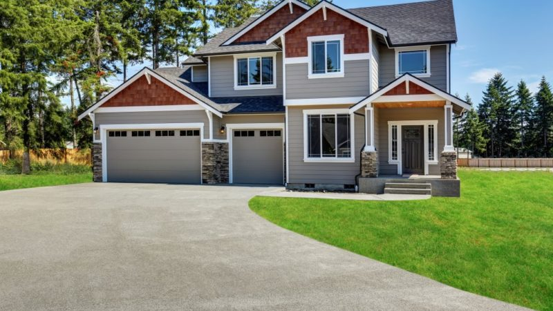 4 Ways to Improve Your Home's Curb Appeal