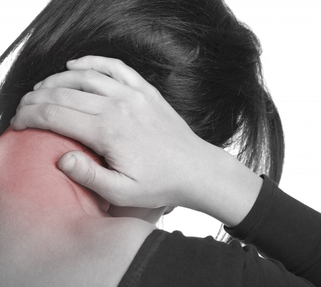 Non-strenuous Tasks You Do Every Day That Might Cause a Neck Injury