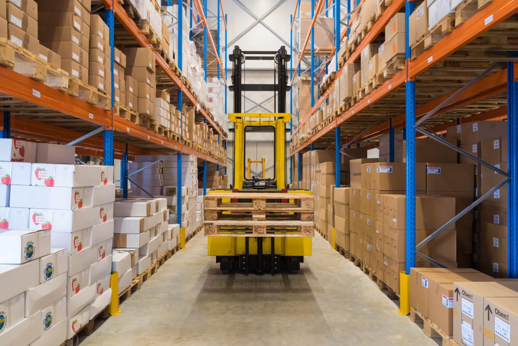 warehouse equipment in the isle