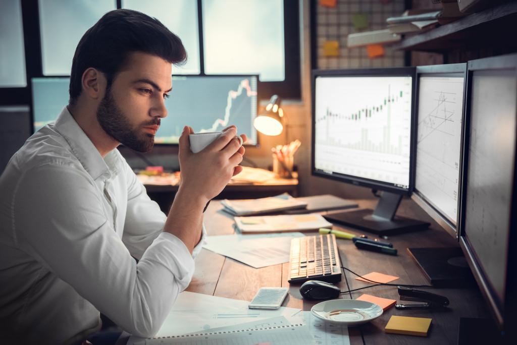 How External Factors Affect Your Work Performance