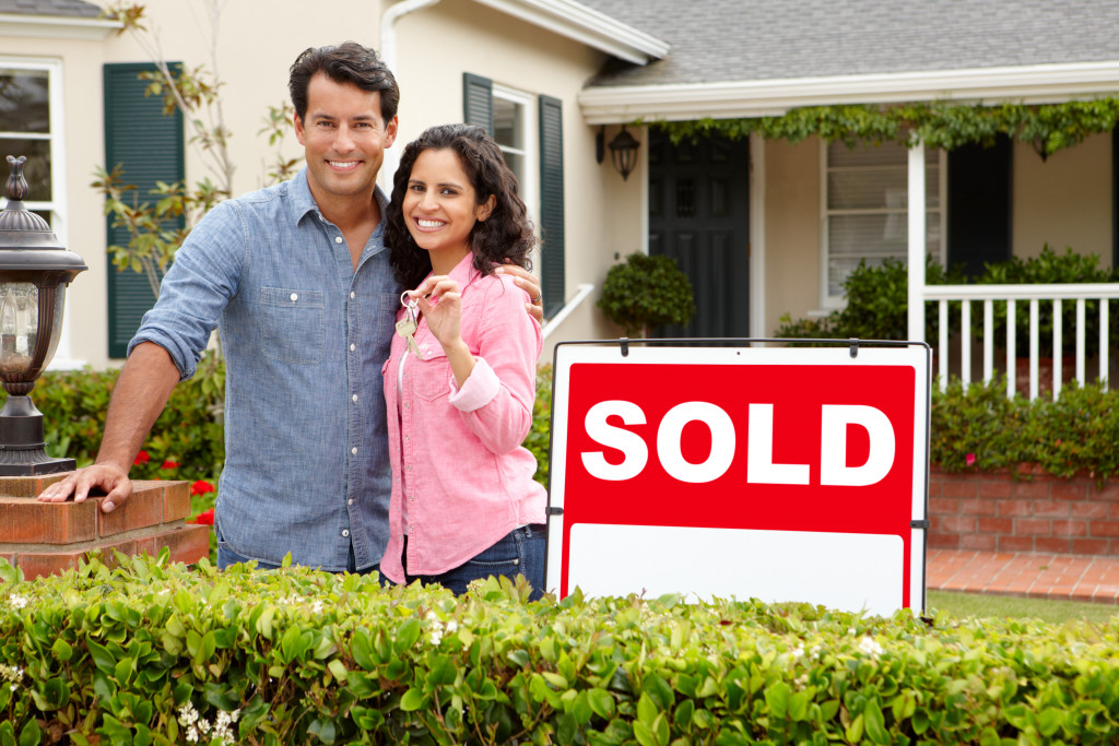 The Ultimate Guide to Buying and Selling Homes